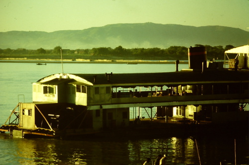 irrawaddy-river-scene
