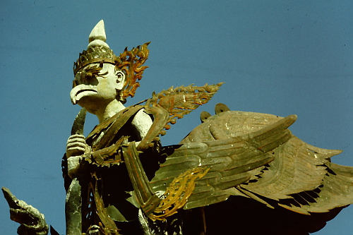 mandalay-bird-statue