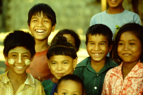mandalay-children-laughing