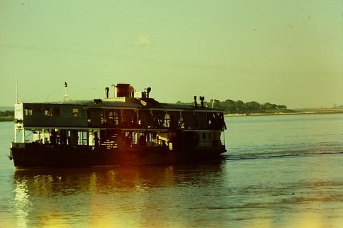 mandalay-irrawaddy-boat