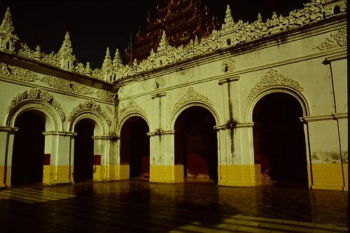 mandalay-palace-late-afternoon