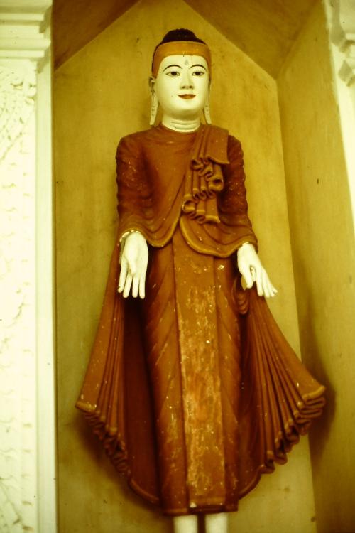 mandalay-statue-standing