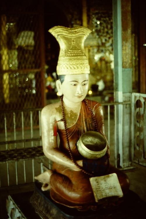 mandalay-statue