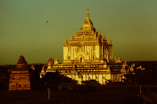 pagan-pagoda-evening-light