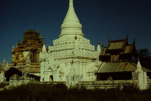 pagan-white-pagoda