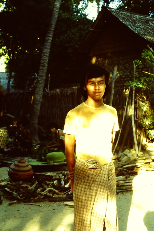 birma-waiting
