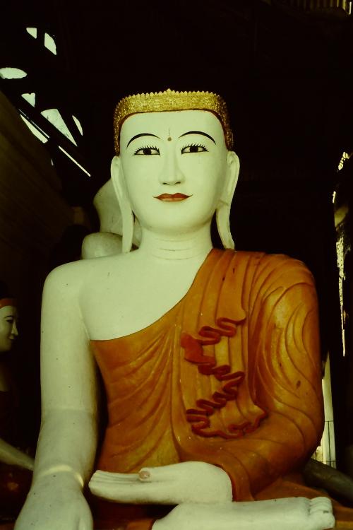rangoon-buddha