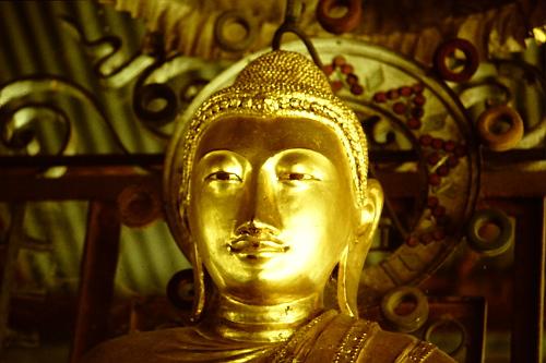 shweyatttaw-buddha-head