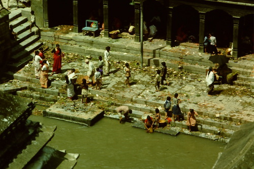pashupatinath-life-river