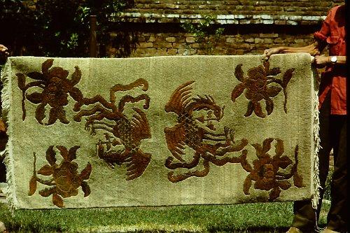 more-tibetan-vegetable-rugs-15