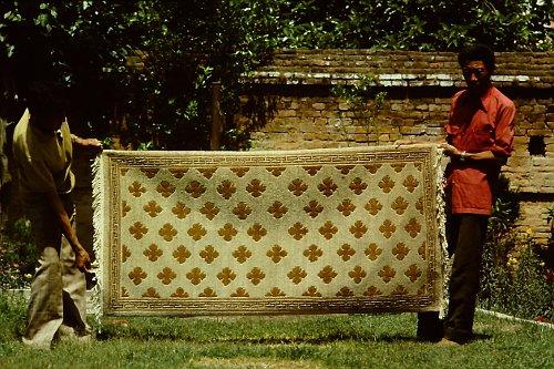 more-tibetan-vegetable-rugs-2