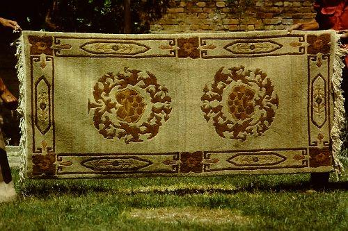 more-tibetan-vegetable-rugs-5