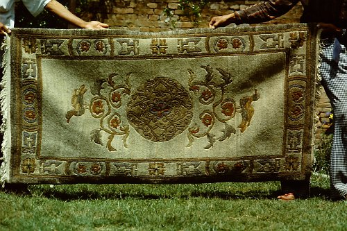more-tibetan-vegetable-rugs-7