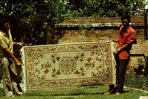 more-tibetan-vegetable-rugs-9