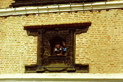 bhaktapur-old-wooden-window