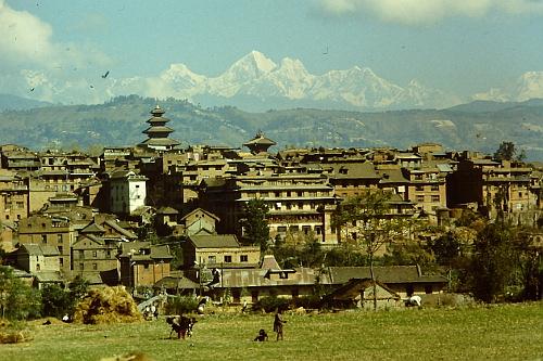 bhaktapur-with-himalayas