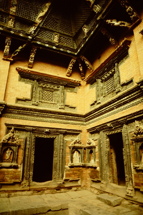 old-palace-wooden-carvings