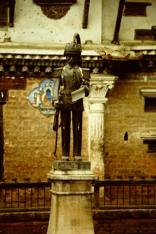 statue-durbar-square-patan
