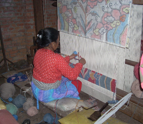 traditional-design-loom