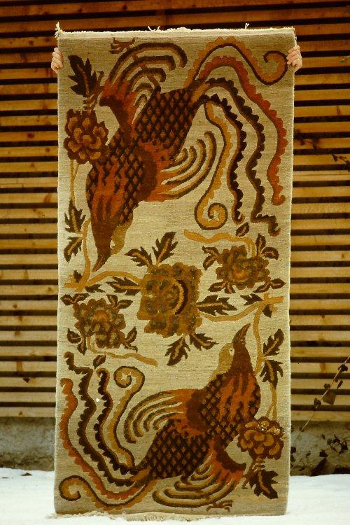 tibetan-rugs-vegetable-dyes-1