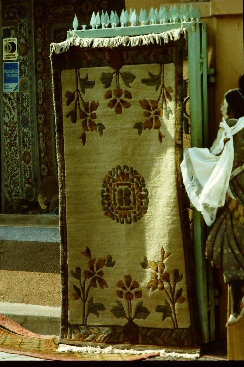 tibetan-rugs-vegetable-dyes-18